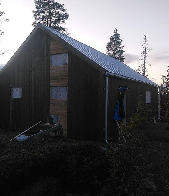Isolering snedtak och vägg i Arjeplog